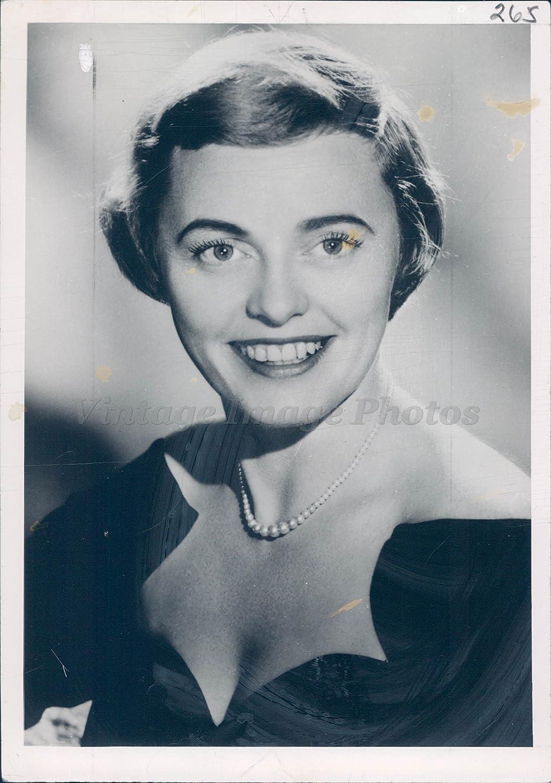 Pat Carroll (actress)