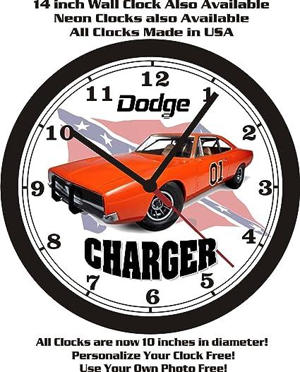 Dodge charger — культовый автомобиль производства компании dodge, принадлежащей. В 1966 году dodge charger был первым серийным автомобилем в сша, оборудованный спойлером. В 1969 году dodge выпустил две самые редкие модификации dodge charger: dodge charger 500 и dodge.