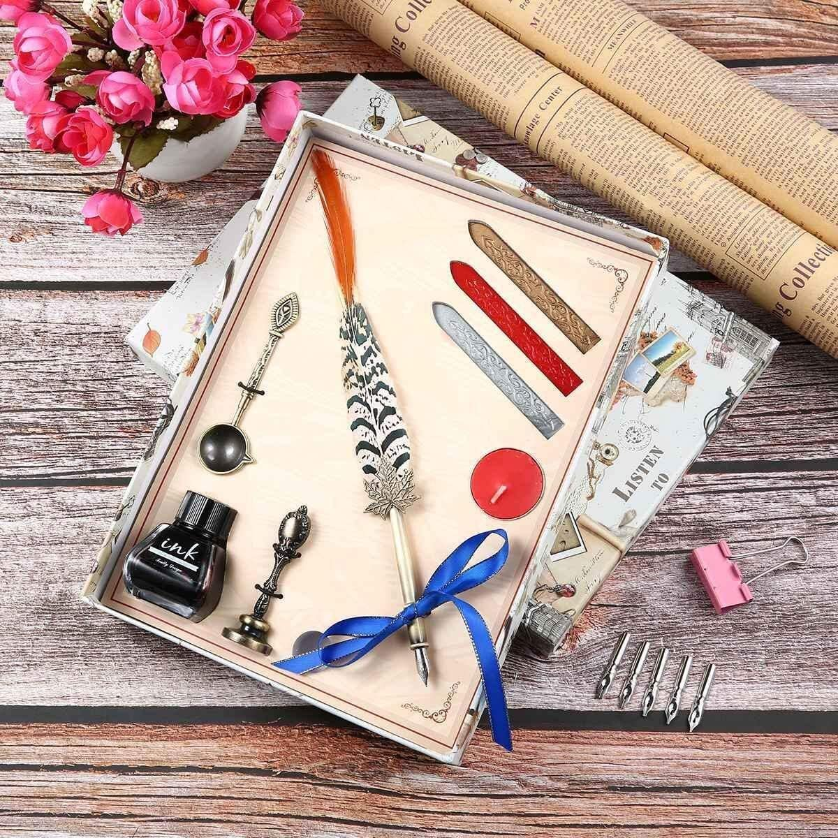Stylo dindentation Plume Quill Pen et stylo plume Plume Set avec 6 plumes European Medieval Vintage plume plume stylos calligraphie cadeau coffret blanc Outil de sculpture