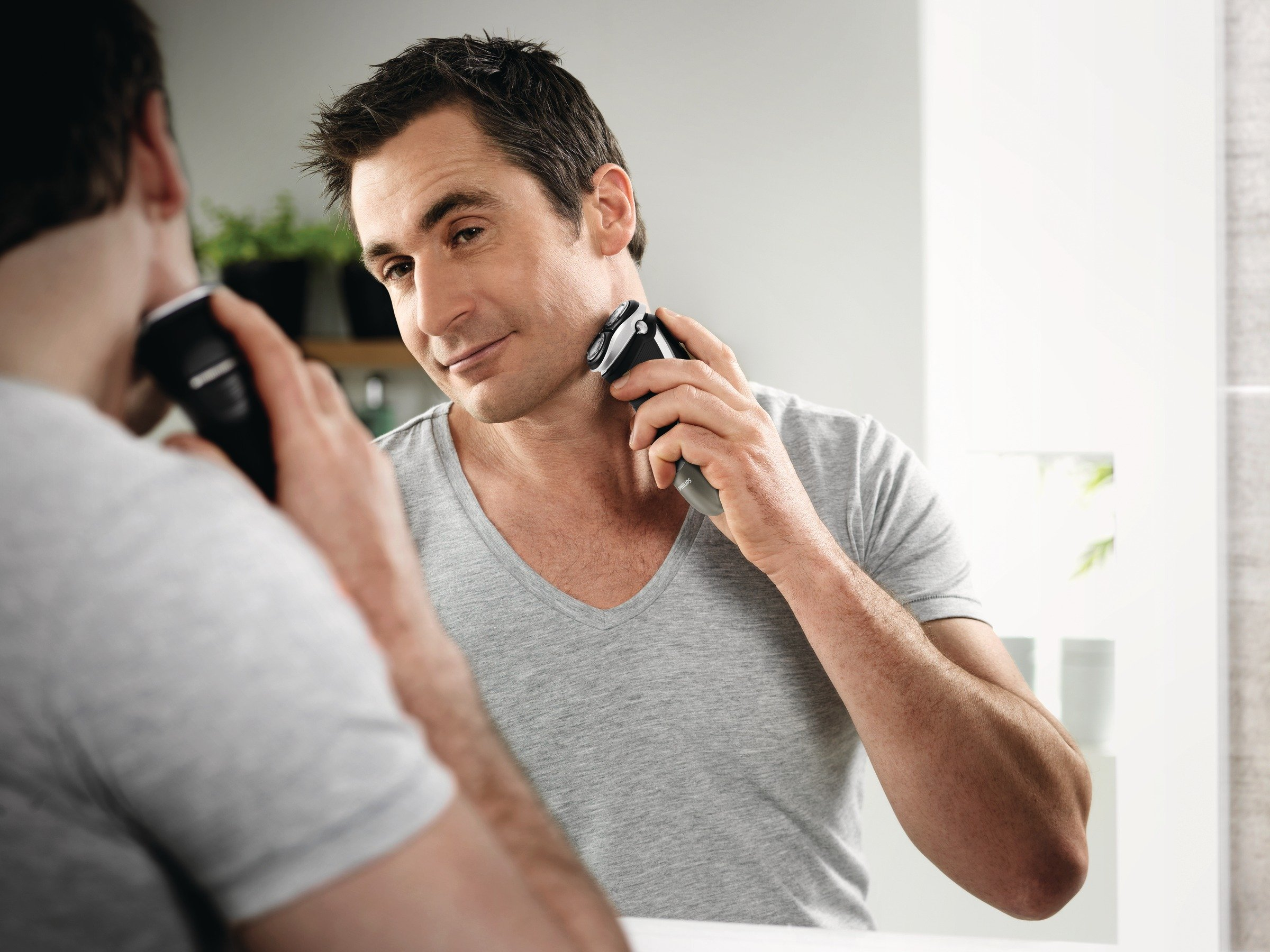 Philips PT870 Series 5000 PowerTouch Dual Precision Rechargeable Cordless Mens Dry Electric Shaver