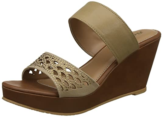 BATA Women's Fishscaleth Fashion Sandals Fashion Sandals at amazon