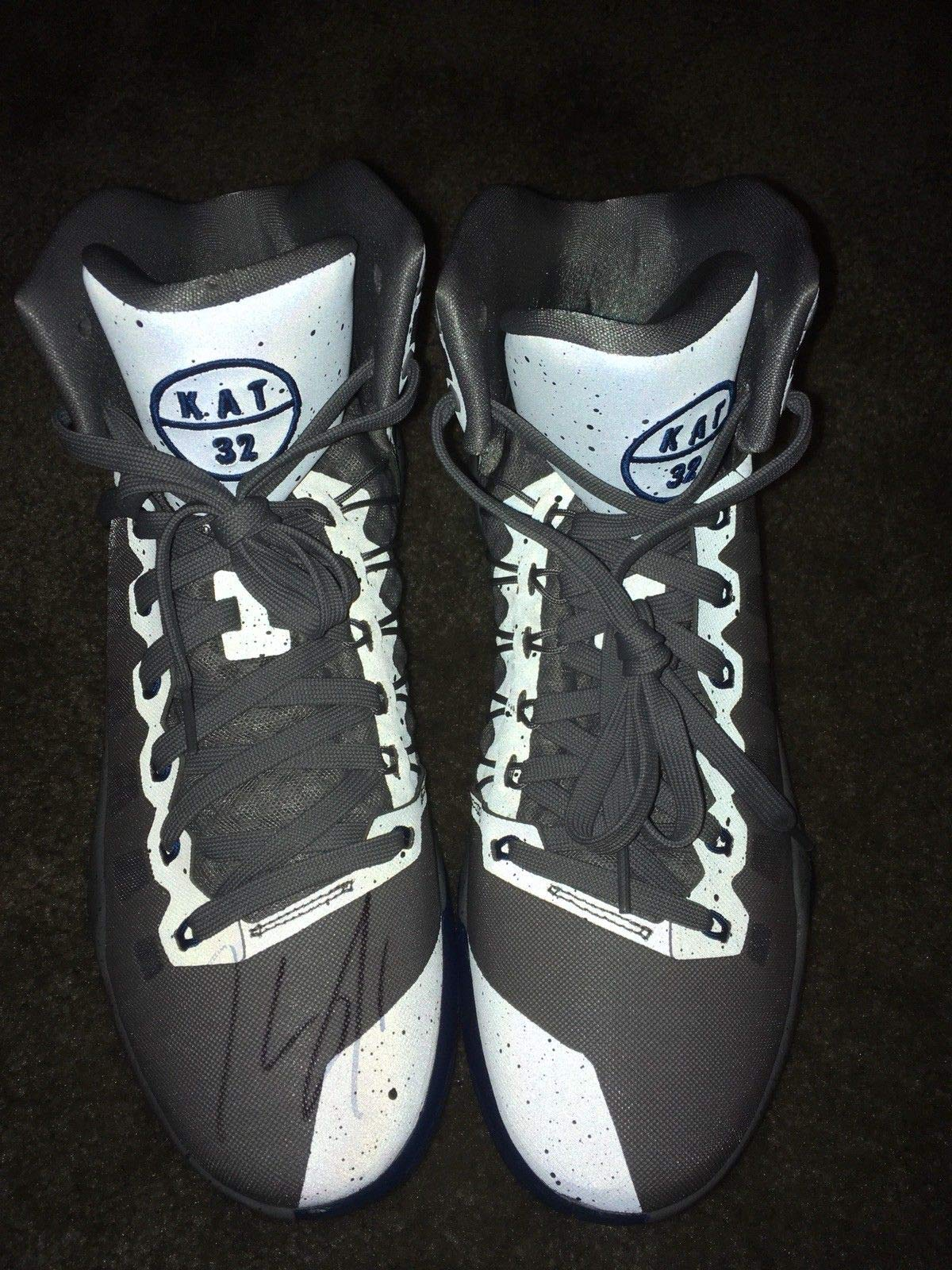 Karl Anthony Towns NBA Autographed Signed Auto Minnesota Timberwolves Nike Pe Shoes PSA/DNA