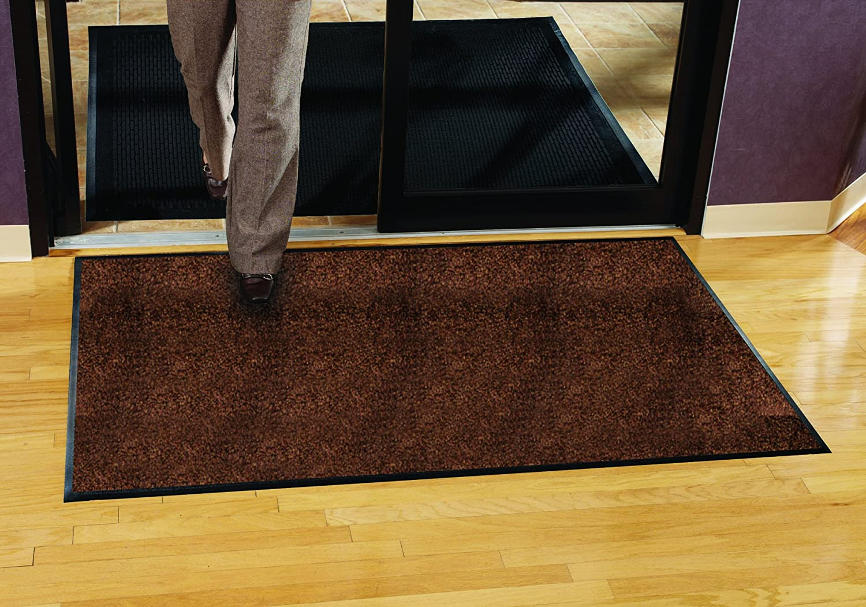Guardian Platinum Series Indoor Wiper Floor Mat 5x18 Brown Rubber with Nylon Carpet