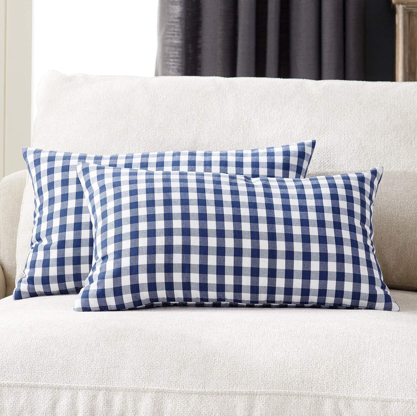 Foindtower Pack of 2 Lumbar Farmhouse Decorative Gingham Throw Pillow Covers Classic Checkered Plaid Cushion Cover Rustic Modern Retro Decor for Couch Bedroom Chair 12 x 20 Inch Navy and White