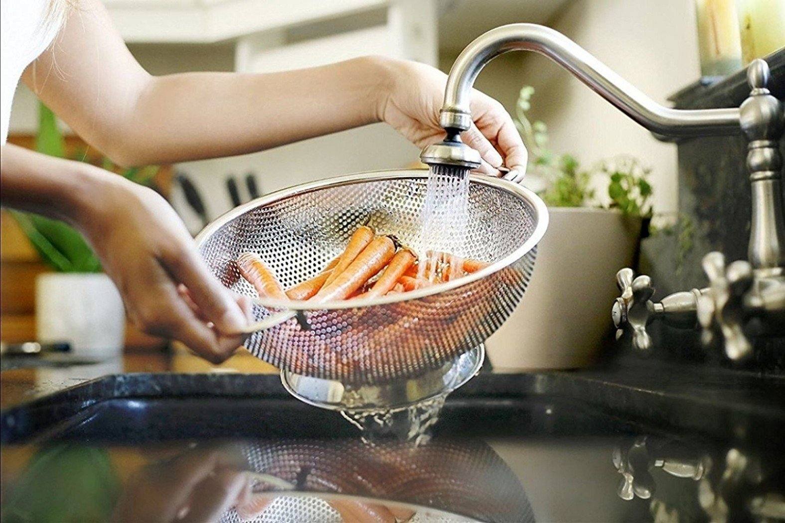 PriorityChef Colander, Stainless Steel 3 Qrt Kitchen Strainer With Large Stable Base by Priority Chef (Image #5)