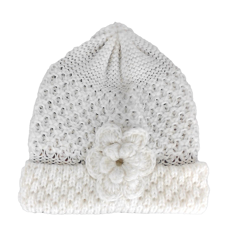 5966448e9e2 TINKUY PERU 100% Alpaca Wool Women´s Hand Knit Crochet Flower White Beanie  Hat  Amazon.in  Clothing   Accessories
