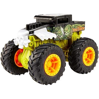 Hot Wheels Monster Trucks 1: 43 Bash-Ups Vehicle [Styles May Vary]: Toys & Games