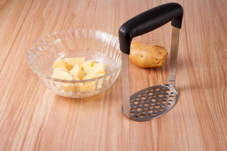 Smaier Masher Machacador Perforada de Acero Inoxidable y Superficie Lisa Dise/ñado Para Aplastar las Patatas Pur/é de Patata