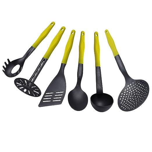 1 opinioni per Set di 6 utensili per cucina in plastica, resistente al calore fino a 260° /
