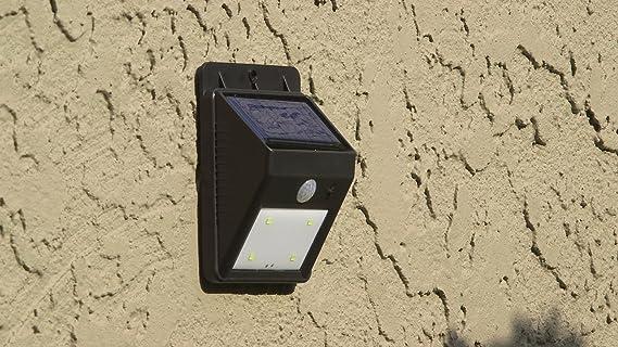 La lampada solare per esterni con rilevatore di movimento