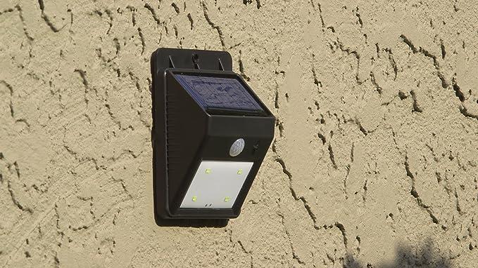 La lampada solare per esterni con rilevatore di movimento modello