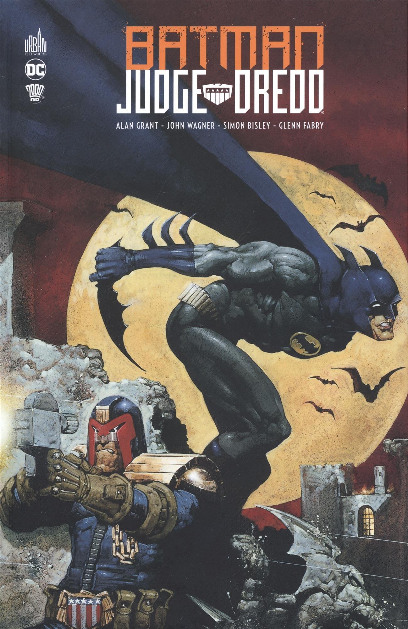 Batman Judge Dredd  Amazon.co.uk  Simon Bisley e18b0a623c4
