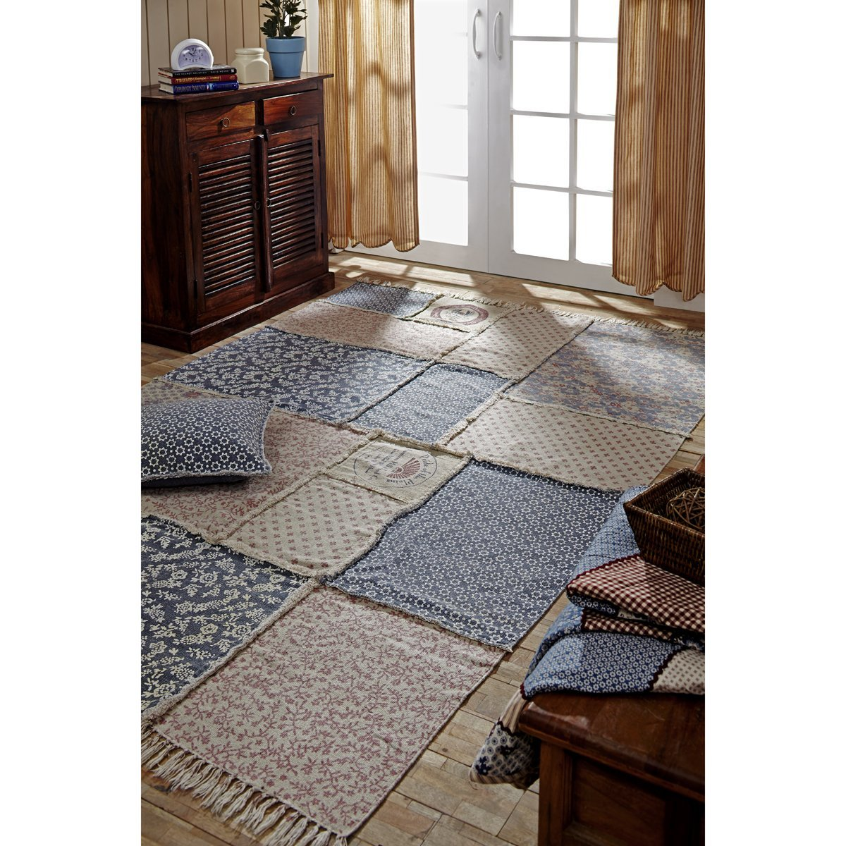 VHC Brands Farmhouse Flooring – Millie White Patchwork Rug, 5 x 8