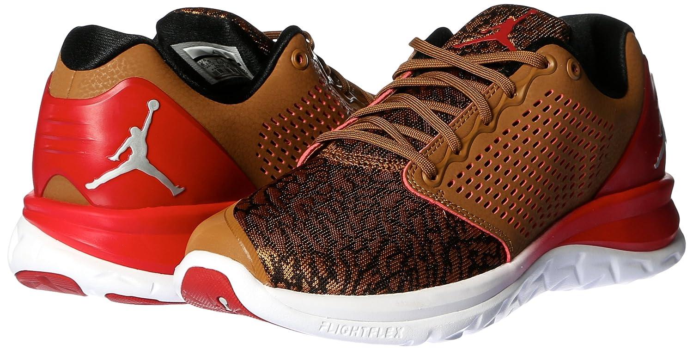 watch 88744 50d9a Amazon.com   Nike Men s Jordan Trainer St Prem MetalicSilver 843732-205    Basketball