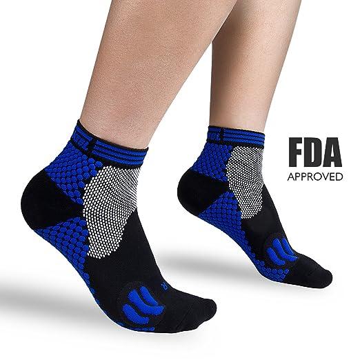 3591d06706a Amazon.com  Plantar Fasciitis Socks Compression Foot Socks for Men ...