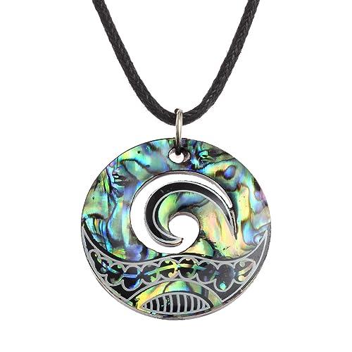 Collar con colgante MAori Koru de Kiara Jewellery, colgante con forma de cresta de ola