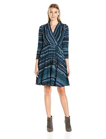 b4a1f49f4c553 Sandra Darren Women s 3 4 Sleeve V-Neck Faux Wrap Knit Dress at Amazon  Women s Clothing store
