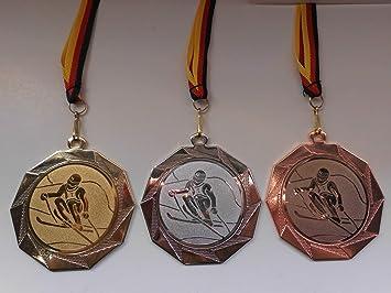Medaillen 50 Fußballmedaillen in Gold,Silber,Bronze mit Motiv Pokal+Ball 50 mm Durchmesser