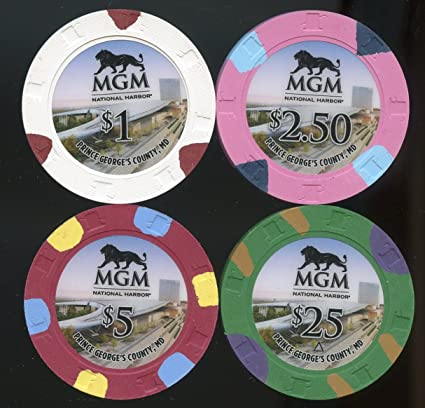 Amazon com : $1 & $2 50 $5 & $25 Casino chip set from MGM