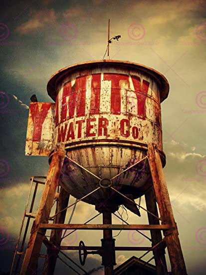 Amazon com: PHOTOGRAPHY COMPOSITION ANTIQUE RETRO WATER TOWER RUSTY
