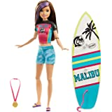 Barbie Dreamhouse Adventures Skipper Surf Doll, approx. 11-inch in Surfing Fashion, with Accessories