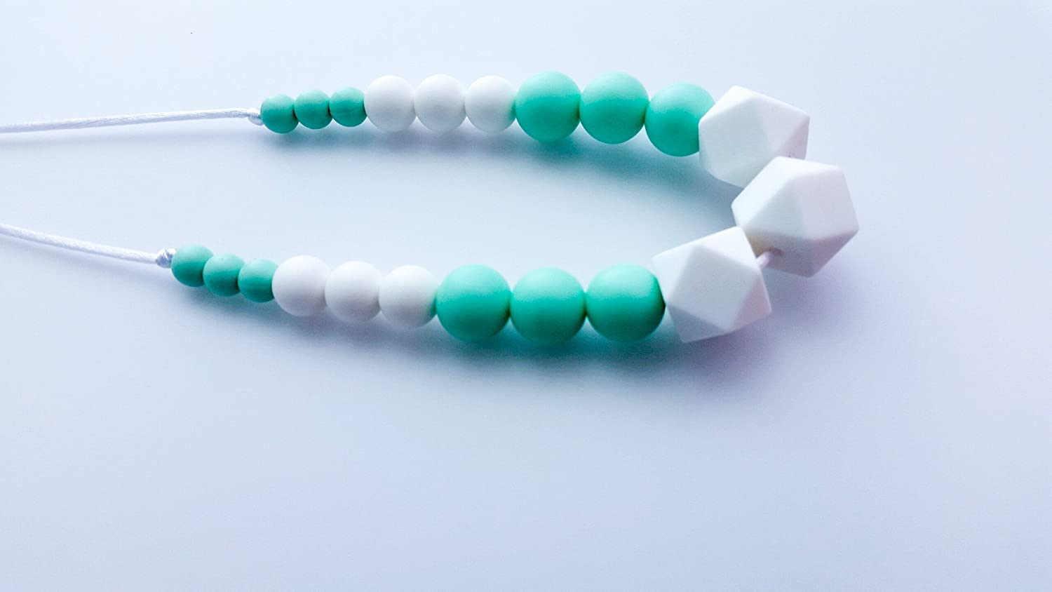 Modern Silicone Teething and Nursing Necklace in Mint and White