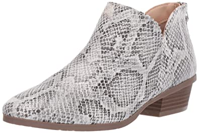 9658fe60df2 Kenneth Cole Reaction Women's Side Way Ankle Bootie Boot: Amazon.com ...