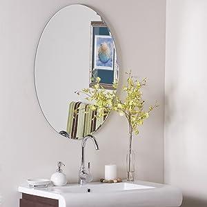 Decor Wonderland Frameless Oval Scallop Beveled Mirror