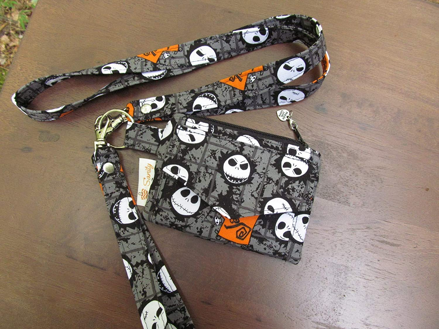BRAND NEW NIGHTMARE AT CHRISTMAS SKELETON GREY LANYARD PHONE CHAIN OFFICE CARD