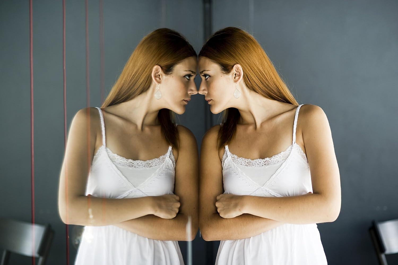 Film miroir sans tain pour vitrage mini rouleau de 75cm x 150cm
