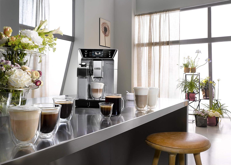 Kaffeevollautomat mit integriertem Milchsystem