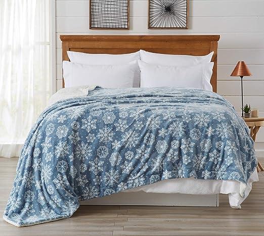 Amazon Com Home Fashion Designs Premium Reversible Sherpa And Fleece Velvet Plush Blanket Fuzzy Soft Warm Berber Fleece Bed Blanket Twin Snowflakes Home Kitchen