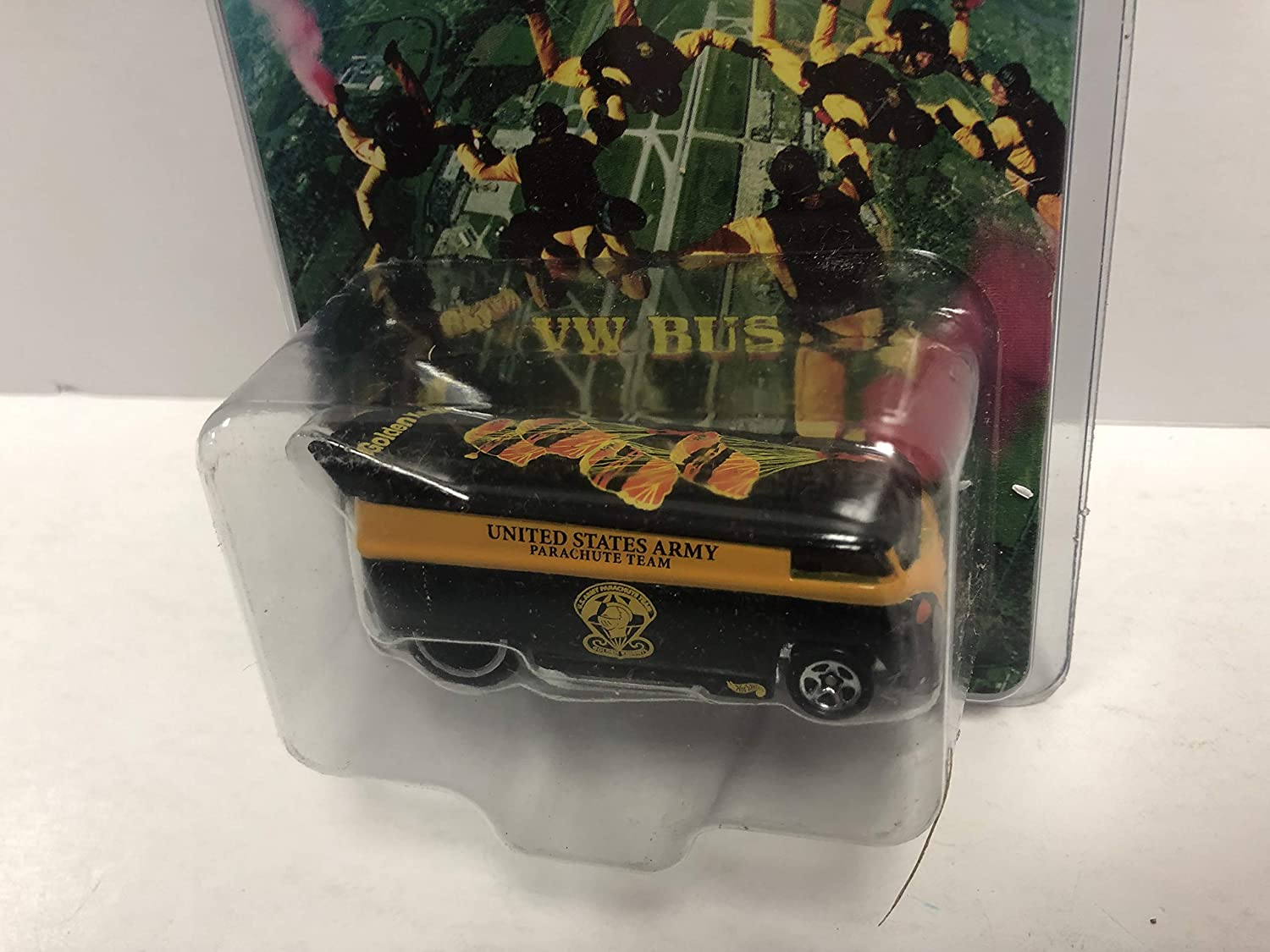 VW BUS Hot Wheels Special Edition United States Army Golden Knights diecast #22488 with protector case