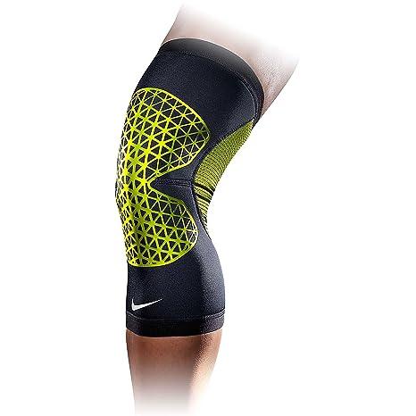 e86b8a2fdf5e41 Amazon.com: Nike Pro Combat Hyperstrong Knee Sleeve (M, Black/Volt): Sports  & Outdoors
