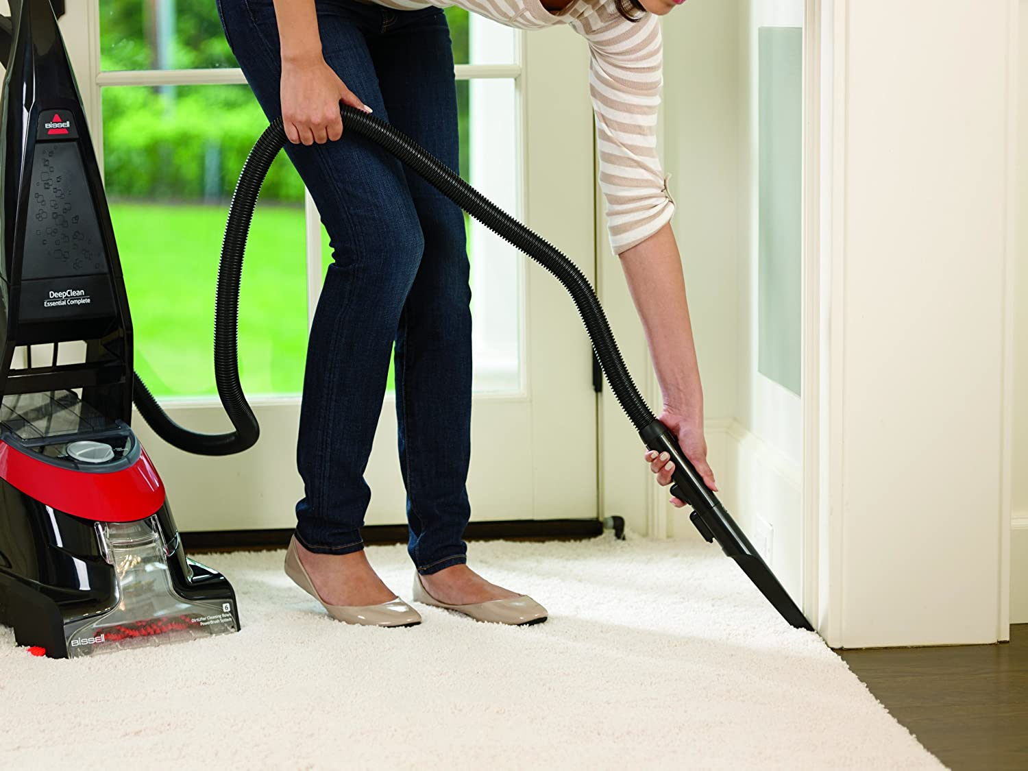 Carpet cleaner vacuum