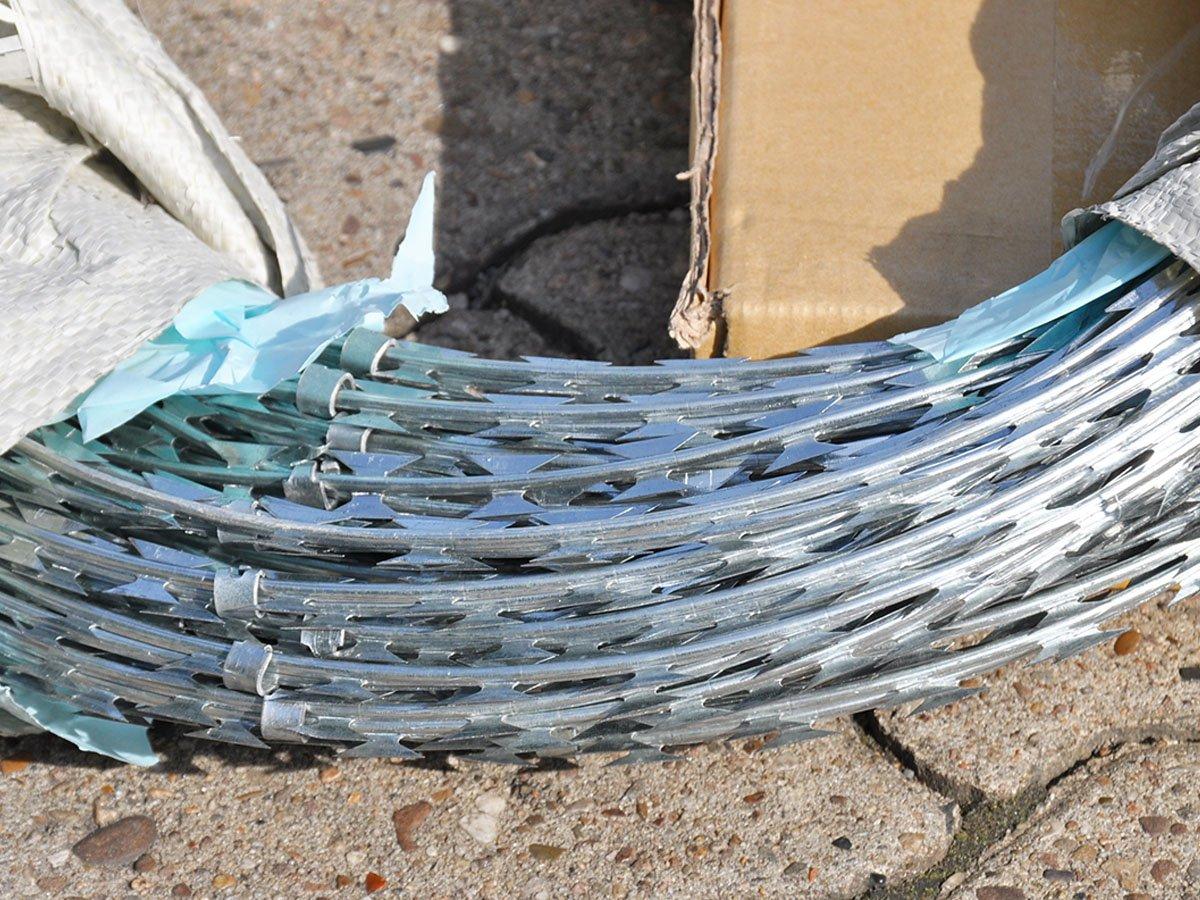 Natodraht Sperrdraht Stacheldraht Klingendraht Spiraldraht Ø 45 cm ...