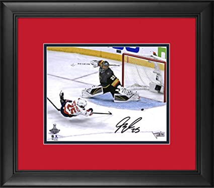 Devante Smith-Pelly Washington Capitals 2018 Stanley Cup Champions Framed  Autographed 8 quot  x 10 quot 363b789ee