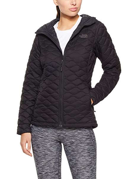 9d0ab82f2f THE NORTH FACE Women s Thermoball™ Hoodie  Amazon.ca  Clothing ...