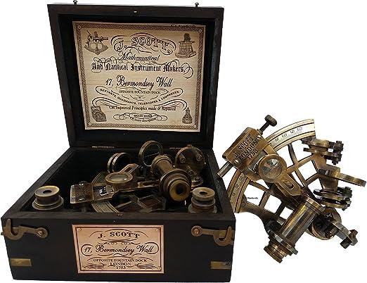 J. Scott Londres latón barco historia sextante con caja de madera. J. Scott Londres latón barco historia sextante con caja de madera.: Amazon.es: Jardín