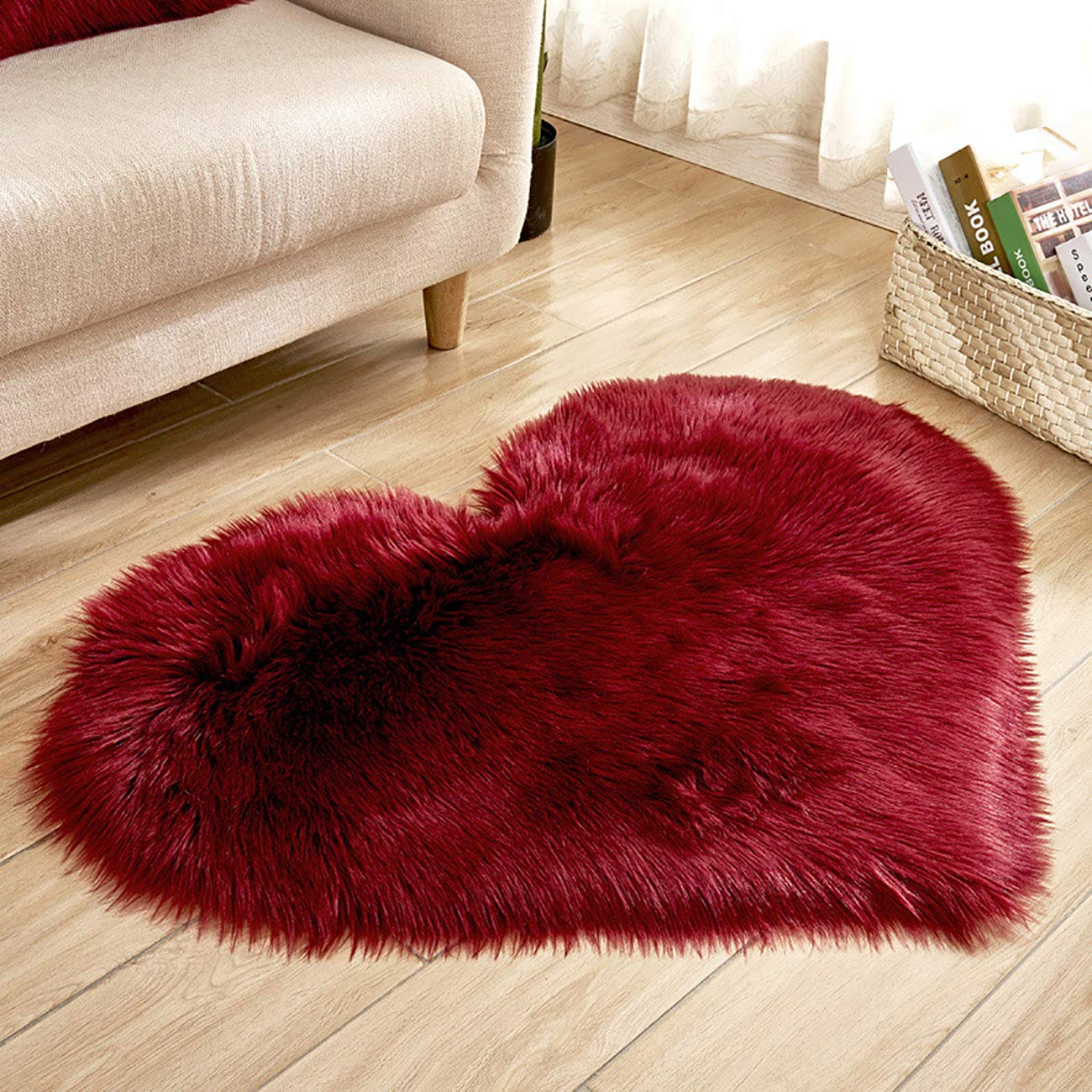 Picturesque Solid Color Indoor Heart-Shaped Anti-skidding Plush Rug Foot Pad for Bedroom Living Room 27 x 35