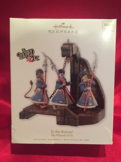 Amazoncom To The Rescue Wizard Of Oz 2010 Hallmark Ornament Home