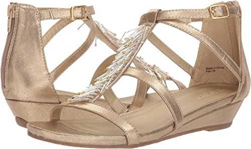 ac7cc4a075d5 Kenneth Cole REACTION Womens Great Falls Soft Gold Smooth 7.5 M