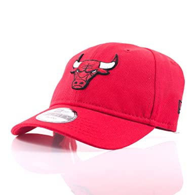 5a6de4079a59a New Era Kids Infant 9FORTY Chicago Bulls Red Curved Peak Cap  Amazon.co.uk   Clothing