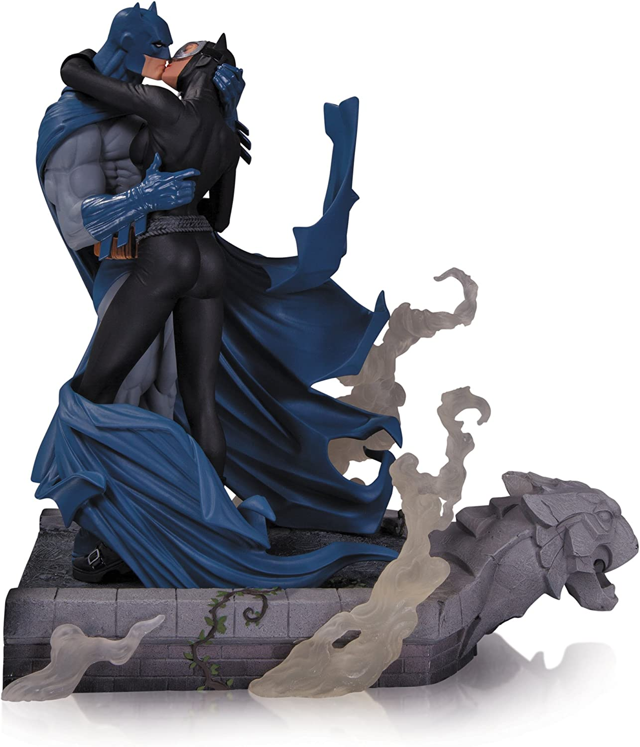 DC Collectibles Hush: Batman and Catwoman Kiss Statue