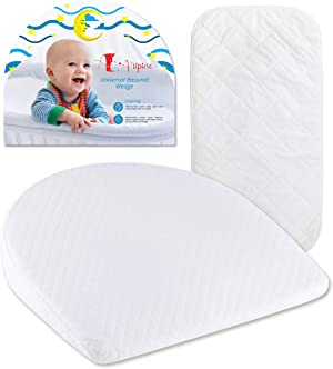 Bassinet Wedge Pillow Baby with Waterproof Changing Pad and Removable Cotton Cover by Aripino for Acid Reflux | Baby Wedge Sleep Positioner | Infant Pillow Newborn Wedge | Baby Wedge Pillow