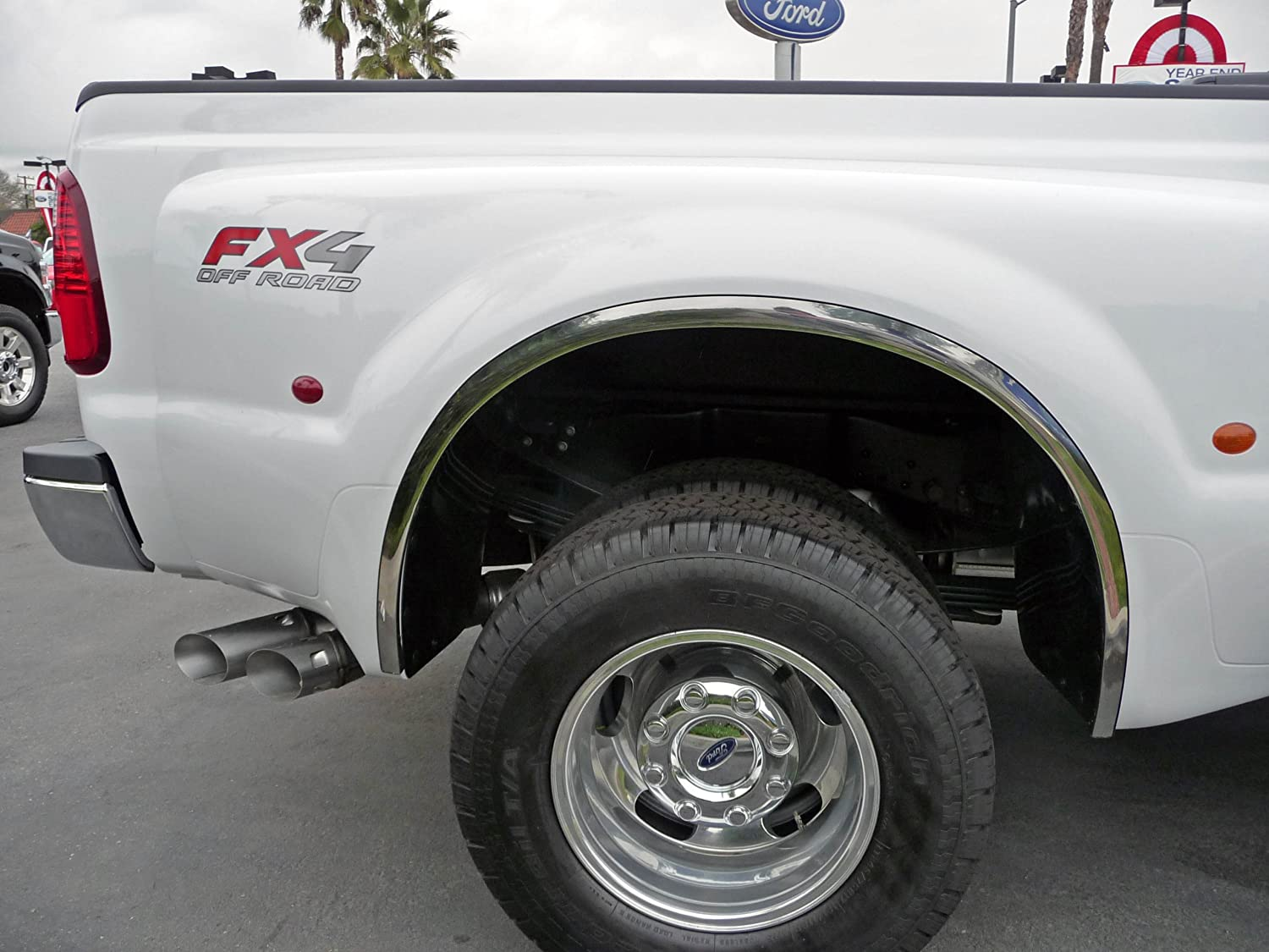 TFP 5400CL Fender Lip Trim