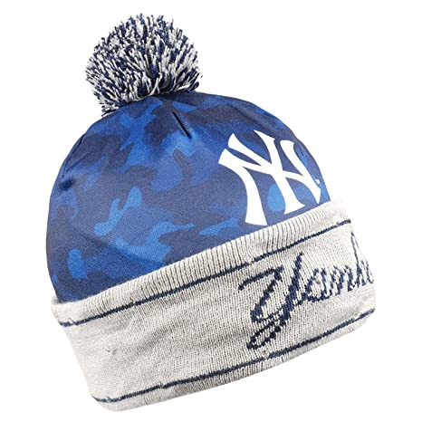 8690c86690f Amazon.com   New York Yankees Camouflage Light Up Printed Beanie ...