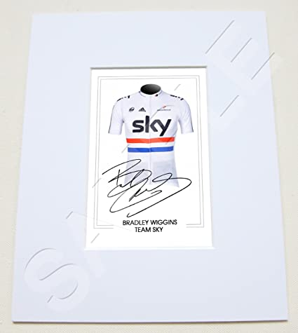 4ea4df2f7 MOUNTED BRADLEY WIGGINS TEAM SKY CYCLING TOUR DE FRANCE SIGNED 10X8 INCH  MOUNT WITH PRINTED AUTOGRAPH