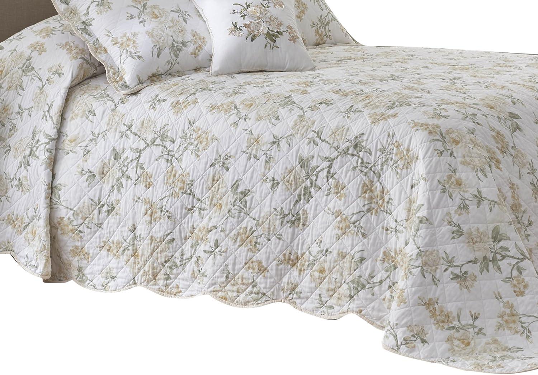Nostalgia Home Juliette Bedspread, King, White Floral