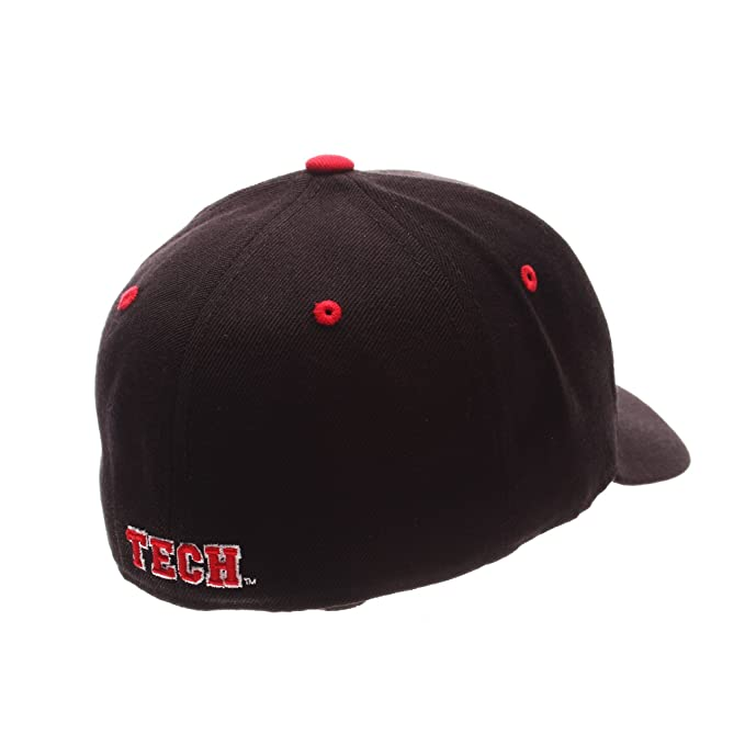 new product 7921e 902f9 Amazon.com   ZHATS Texas Tech Red Raiders   Tt   Black DH Hat   Sports Fan Baseball  Caps   Clothing